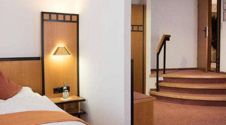Hotel Schere zimmer  Hotel Schere bad-1  Hotel Schere bild2